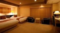 客室(スイートルーム)オーシャンビューの特別室で禁煙室は6階、喫煙室は7階*