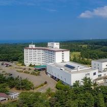 外観(上空)緑に囲まれたリゾートホテル