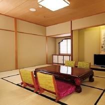 【ロイヤルスイート】バストイレ独立型、リビングルームを中心に寝室がふたつ(ツインベッドルーム+和室)