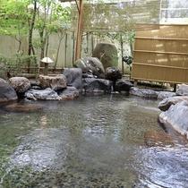 志賀の郷温泉・露天温泉岩風呂(昼)