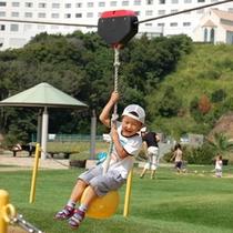 ホテルより徒歩約5分の小目津公園は、子供様にオススメ♪チェックイン前に少し早く着いても安心です♪