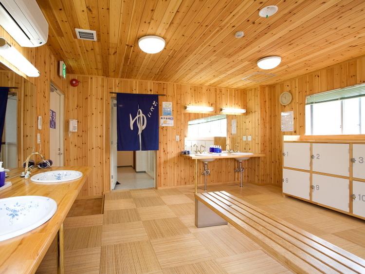 別府天然温泉 掛け流し 大浴場 (3)