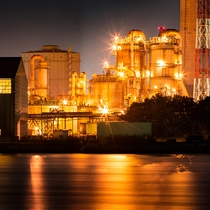 工場夜景 イメージ