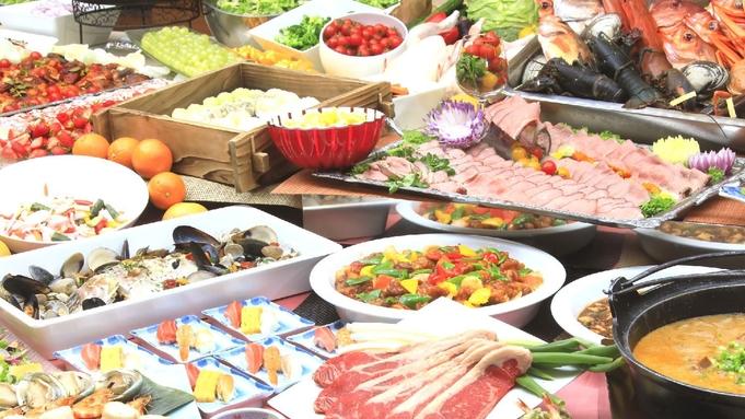 【特等席で満天の花火をご観覧】夏の温泉リゾート!ステージキッチンが人気のサマービュッフェ