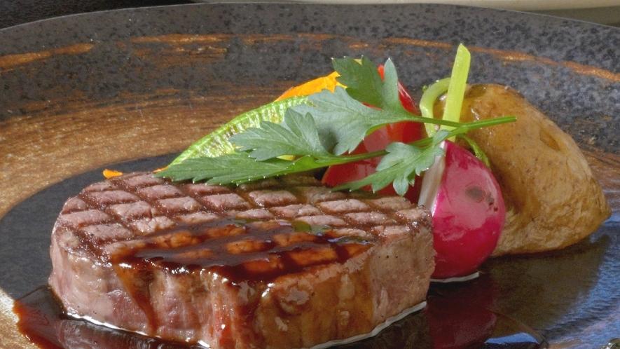 【洋食】上州牛の網焼きステーキ赤ワインソース