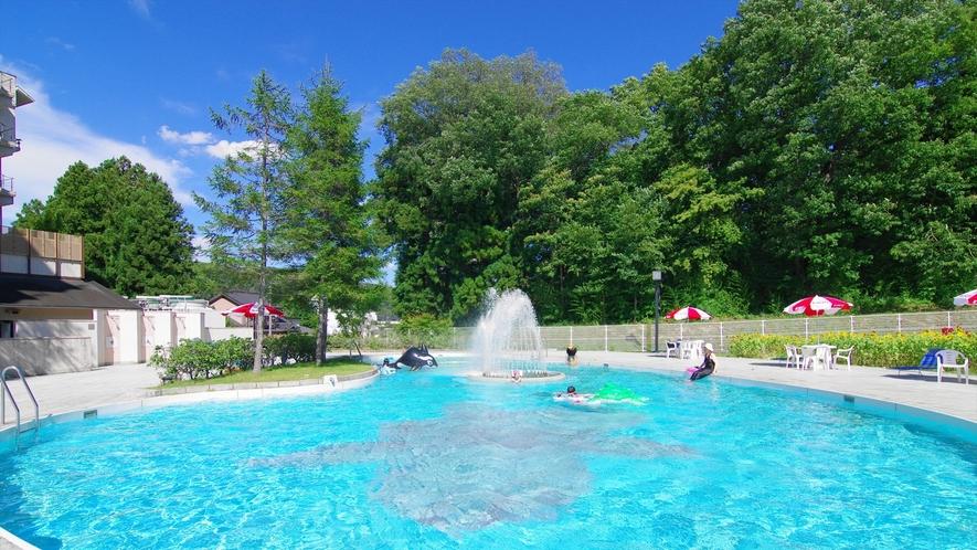【施設】夏季限定ガーデンプール「ハレクラニ」