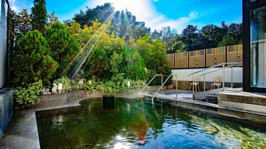 【女性専用】ガーデン風の野天風呂でリフレッシュ