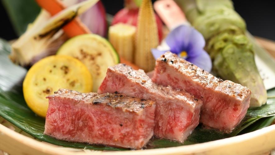 【ご夕食】贅沢にとろけるような美味しさ仙台牛(一例)