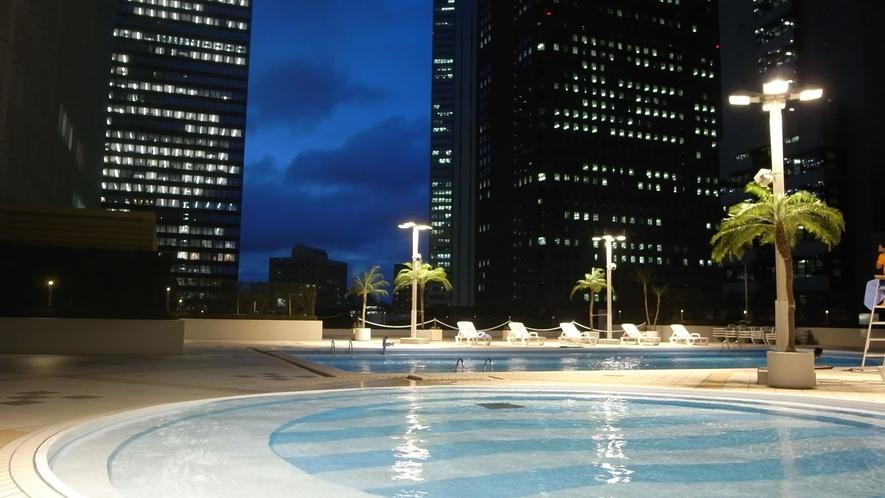 本館7階/スカイプール(夏季のみ営業いたします)