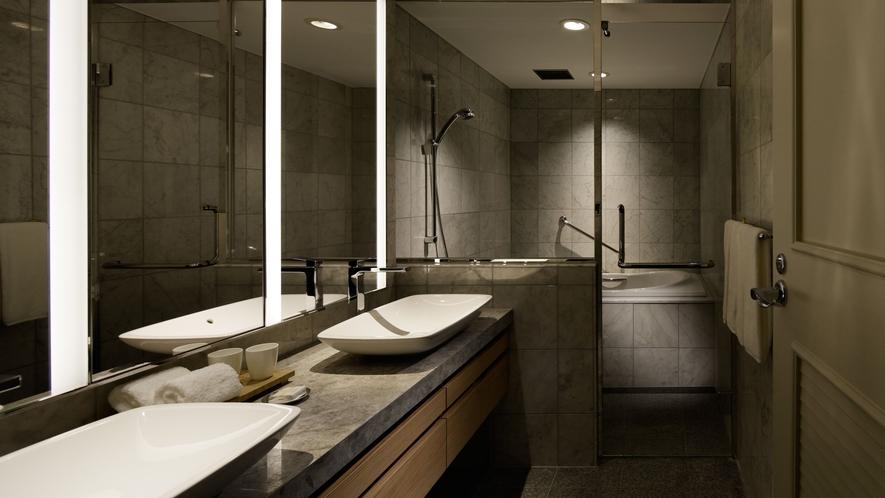 【プレミアグランスイート】広々とお使いいただけるバスルーム