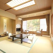 【和室10畳】鬼怒川を眼下に望む寛ぎの客室