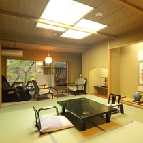 【温泉露天風呂付客室】鬼怒川を望む和室10畳+庭園