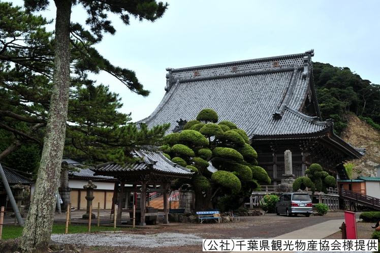 ■大本山 誕生寺/当館の目の前にございます