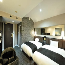 プレミアツインルーム22平米/アパホテルオリジナルベッド「クラウドフィット」