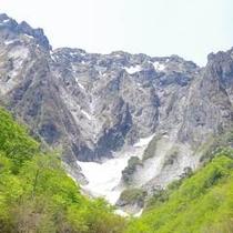 【春夏】谷川岳の一ノ倉沢は絶景の一言!!(谷川岳駐車場より徒歩1時間)