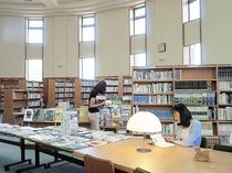 【併設の図書館】