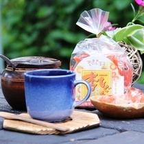 【更埴のあんずのお菓子】戸隠の静かな雰囲気の中でスタンダードコーヒーと共にご賞味下さい。