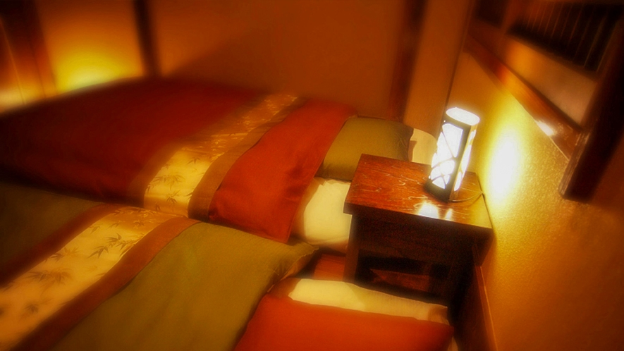 ■セミダブルサイズのベッド風のお布団をご用意。 [露天風呂付き和モダン客室「二人静」]
