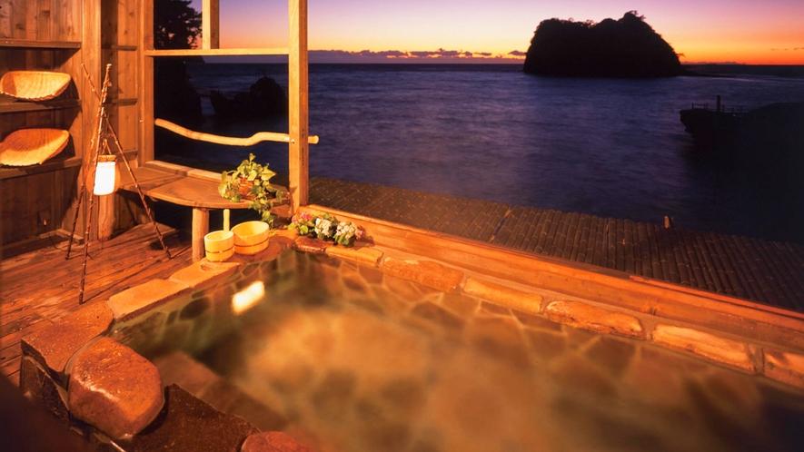 ■西伊豆の美しい海を眺めながらゆったりと浸かる。[貸切風呂「だんらん」]