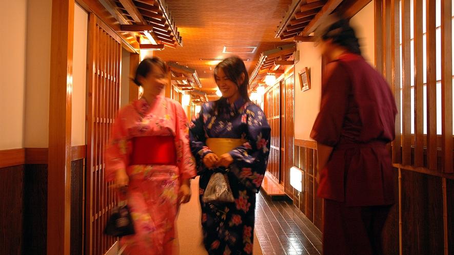 ■古き良き日本旅館の面影を残しつつ、調度品や雑貨等はモダンな装飾を演出し、旅人の心を和ませます。