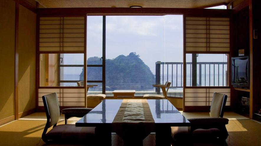 ■西伊豆の海と堂ヶ島を望みながら寛ぐ。[DX和室10畳+4.5畳]