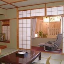 客室の1例(露天風呂付き客室/翠月の間)