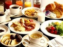 【朝食】朝6:30オープン!和食・洋食をふんだんに取り揃えたバイキング料理をご用意♪