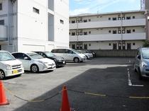 専用駐車場あり