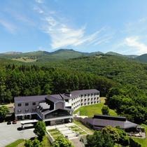 上空から撮影したホテル