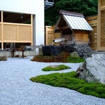 ホッと落ち着く日本庭園