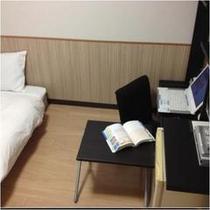 床暖シングル デスク使用例2