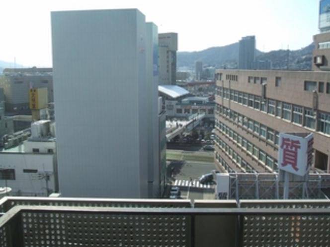ホテルから見える長崎駅