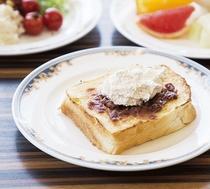 【朝食】小倉トースト