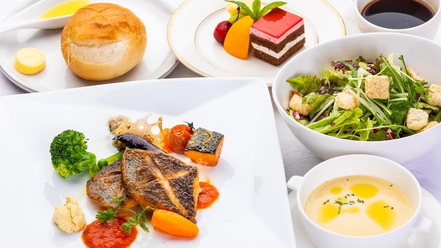 コロナ対策徹底!メインを選べる・野菜たっぷり夕食&ホテル自慢の朝食付きプラン