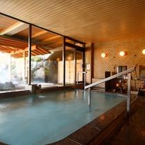 【浴場】大浴場は竹酢液の入ったお風呂です