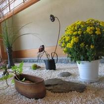【館内】エントランスのお花のおもてなし