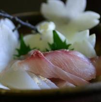 【食事】当館名物・鯉のあらい