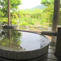 【女性浴場】露天風呂は檜風呂です