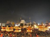 【秩父夜祭】市内の各町から6の屋台・笠鉾が曳き回されて御旅所に向かう、日本三大曳山祭りです。