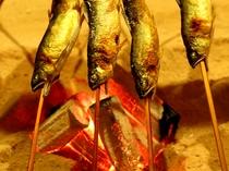 長生館名物「川魚の塩焼き」は岩魚や鮎(夏季)。ふっくらお魚でお楽しみください♪