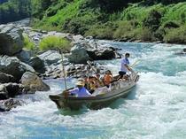 長瀞観光の定番①長瀞ラインくだり★荒川を下る舟のアトラクション。急流スポットや自然美を楽しめます♪