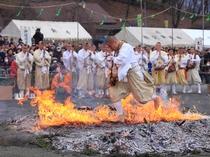 【3月】燃え上がる中裸足でかけぬけます!開運厄除、宝福招来を祈願。
