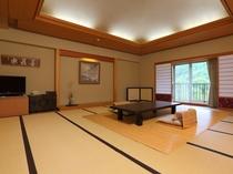 当館最大の20畳和室にソファ付きの次の間がある贅沢広々の特別室。ファミリーにもオススメ♪