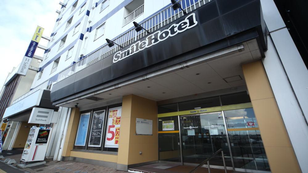 ホテルエントランス(昼景)