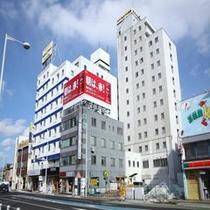 ホテル外観(昼景)