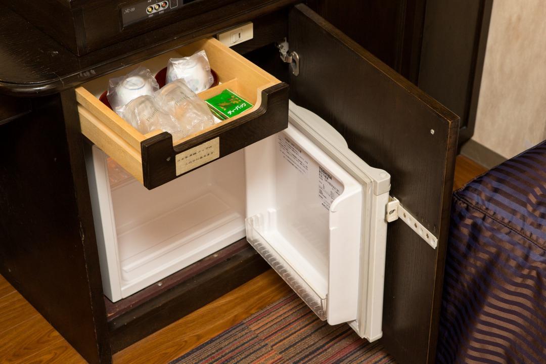 客室備品(冷蔵庫)