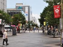 【平和通買物公園】ホテルの目の前は歩行者天国の買物公園。滞在中のご不便も解消。
