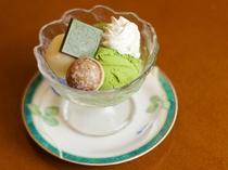 【レストランメニューの一例】アイス