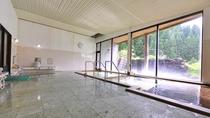 """*新館大浴場/泉質は無色透明の単純泉。開放感のある""""露天風呂""""もございます。"""