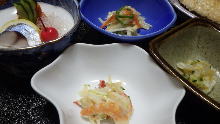 *夕食一例/その季節のうまいものを、素材を活かして調理致します。